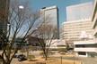 Toàn bộ đại bản doanh của Samsung có diện tích rộng tới 1.720.000 mét vuông, trong đó có 1.350.000 mét vuông là văn phòng, nơi làm việc của khoảng 40.000 nhân viên.