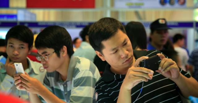 Kết quả hình ảnh cho Con người giao tiếp bằng công nghệ