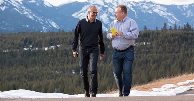 """Microsoft vứt đi ít nhất 8 tỉ USD cho """"cuộc chơi"""" Nokia"""